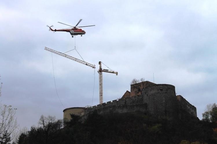 Kranimex dodal vežový žeriav k rekonštrukcii Krásnej Hôrky