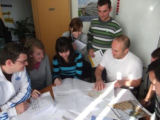 Študenti Stavebnej fakulty STU v Bratislave na exkurzii vo firme Kranimex